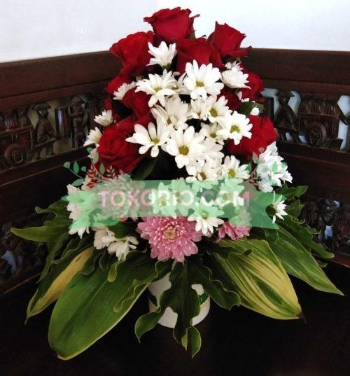 Bunga Meja Andong Dan Pilo