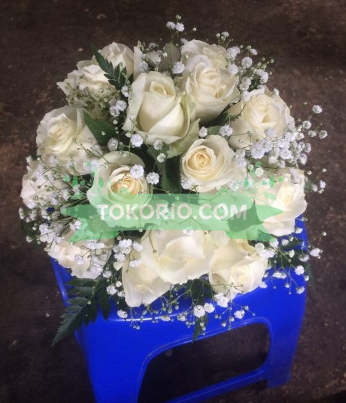 Buket Mawar Putih